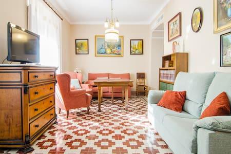 Apartamentos Salmerones (5/7 pax) - Apartment