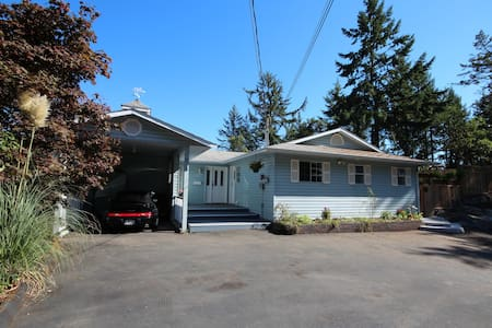 Bright 3 bedroom on the Westshore