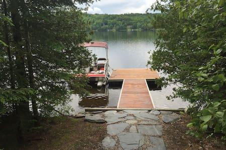 Chez Michel sur le Lac (lakefront) - Ház