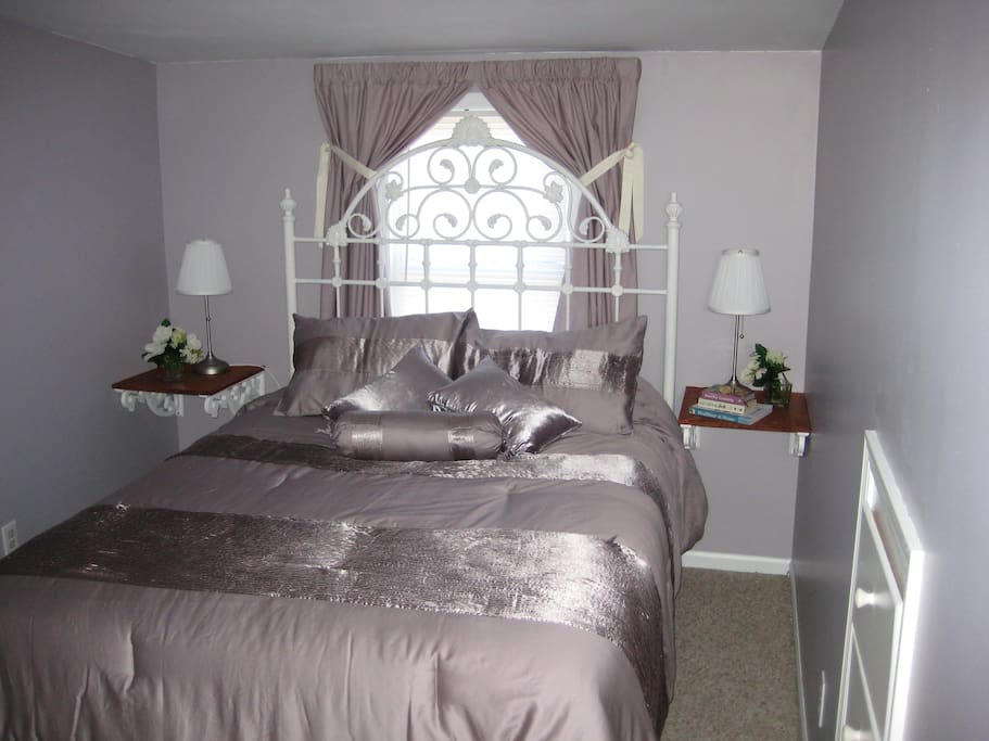Queen Bed on Top Floor. This Romatic Room is a Favorite of Past Guests