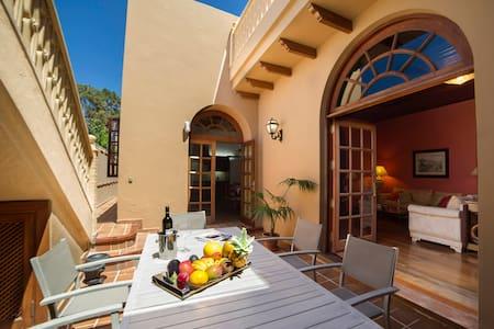 Los Oliva Traditional Holiday House - House