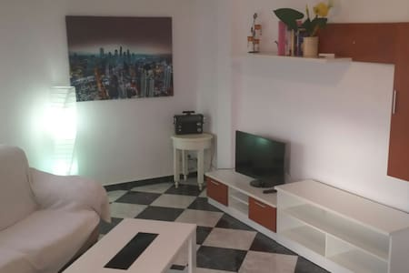 MUY CÉNTRICA Y CON BUENAS VISTAS  - Appartement
