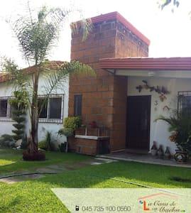 La Casa de los Abuelos - Fraccionamiento Lomas de Cocoyoc - Dom
