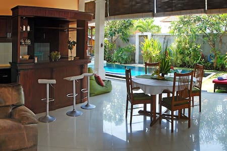 Strawberry Villa Sanur - South Denpasar - Willa