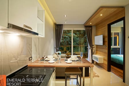 One-Bedroom suite 47 sqm in Patong - Patong - Apartment