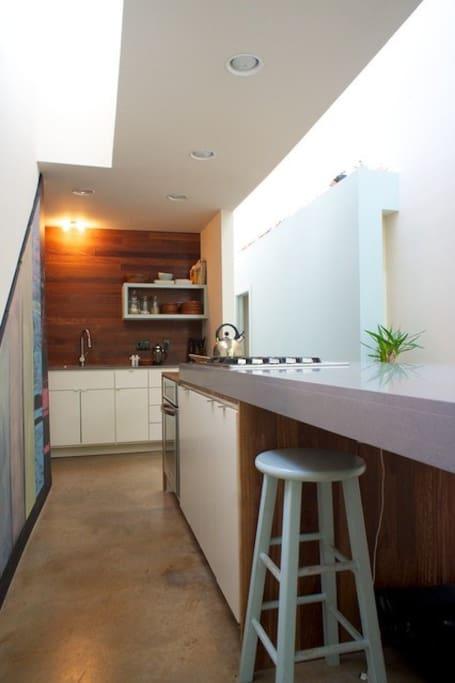 Francisco's Warm Modern Eastside