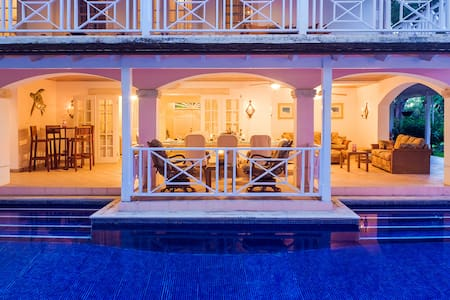 Sandalwood House: 108532 - Villa