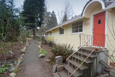 Cute Corner Cottage In Shoreline! - Apartamento
