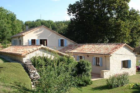 Comfortable B&B in French Tuscany - Bed & Breakfast