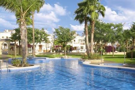 3 bedrooms, 4 Balconys, Sea view - Casa