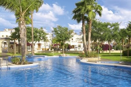 3 bedrooms, 4 Balconys, Sea view - Dom