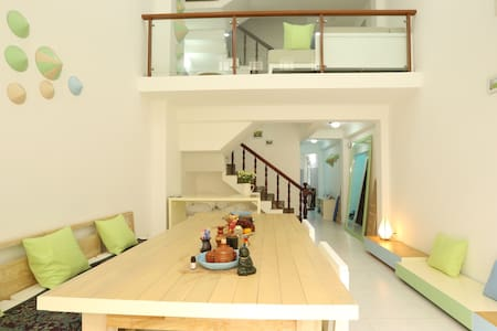 Room type: Private room Bed type: Real Bed Property type: Townhouse Accommodates: 3 Bedrooms: 1 Bathrooms: 1