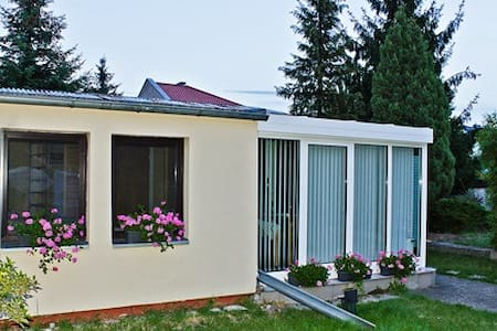 The top 20 bungalows for rent in berlin airbnb for Bungalow berlin