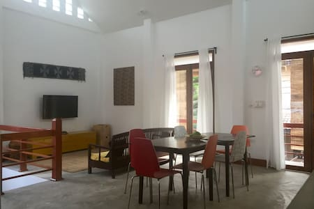 Spacious, central, family-friendly home - 琅勃拉邦(Luang Prabang) - 独立屋