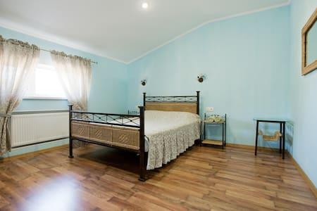 Уютные 2-х комнатные апартаменты в гостевом доме - Odesa - Townhouse