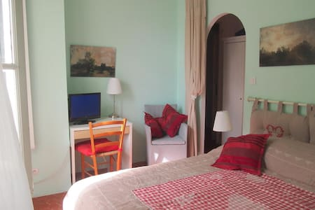 """Olive"" B&B Languedoc France - Montblanc - Bed & Breakfast"