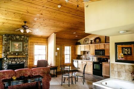 Honeymoon Suite/Cabin