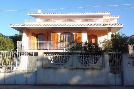 BIG HOUSE NEAR CAGLIARI AND BEACHES - Villa