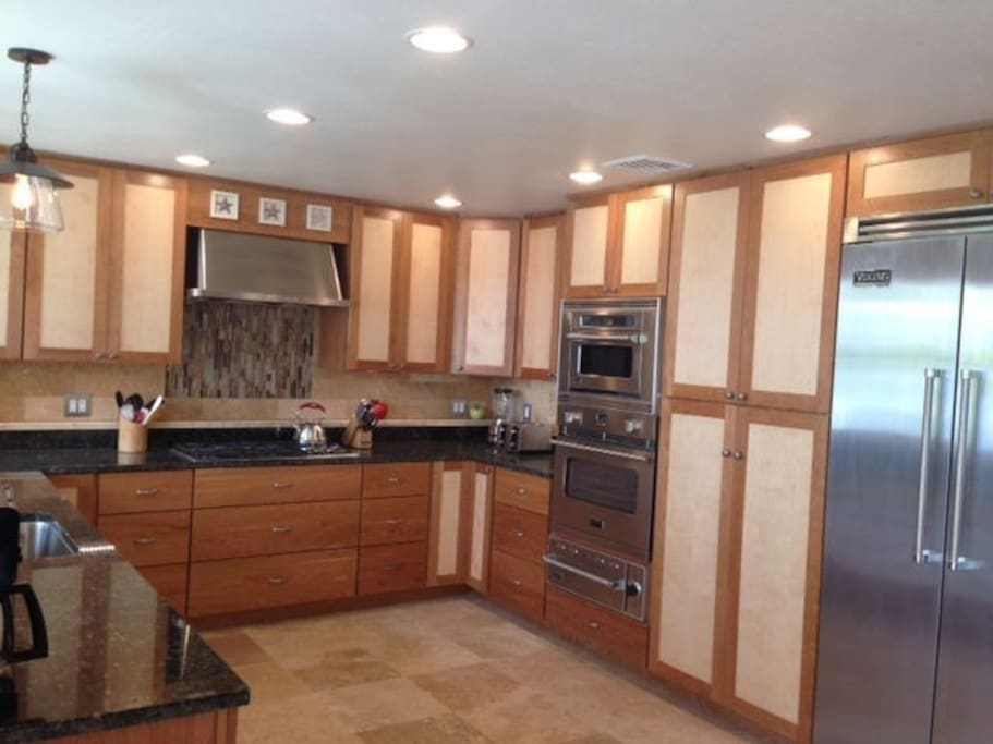 Fabulous kitchen with top of the line appliances.
