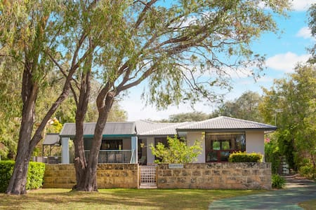 Big beautiful house near the ocean - Quindalup - House