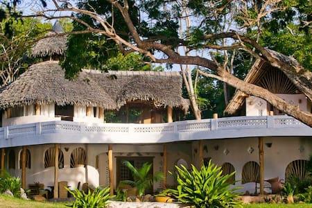 Ocean Villa Tiwi Beach Kenya - Diani Beach - Villa