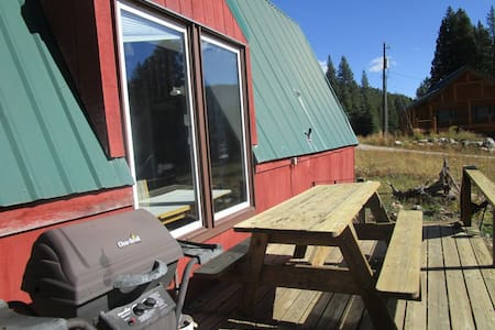 Rustic cabin near Yellowstone Park - Cooke City - Cabaña