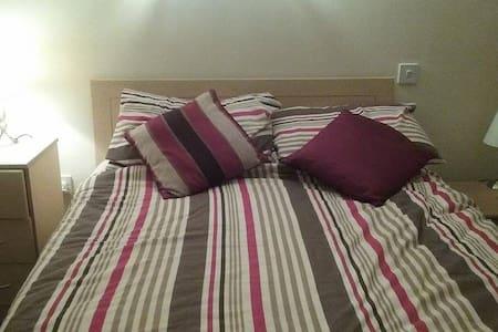 King size bedroom in Dublin