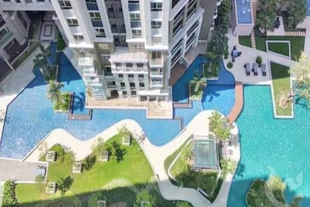 LARGEST POOL / 2 BR / NEXT TO MRT