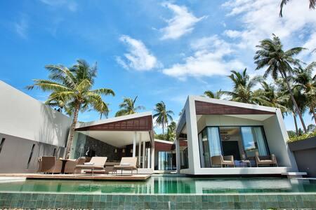MB1: 3 bd luxury villa on the beach
