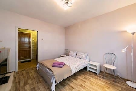 Апартаменты Изюмская 2 - Apartmen