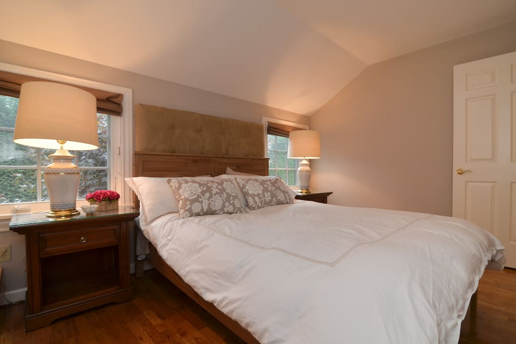 1 Bedroom Carriage House Apartments For Rent In Seattle