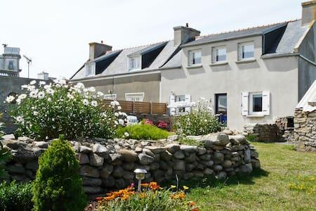 Location maison sur l'Ile de Molène - Rumah