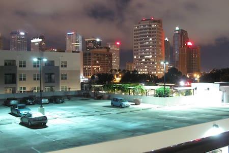 Downtown Tampa & Ybor Urban Escape! - Apartamento