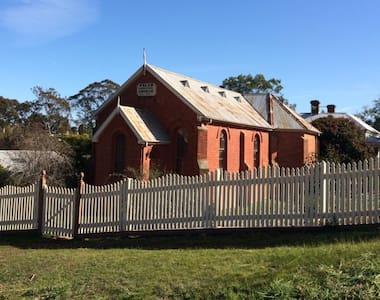 Maldon Welsh Church - Villa