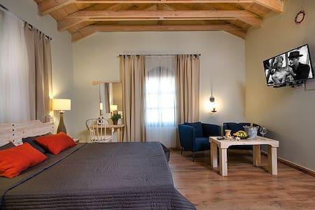 The Baron Rothschild Suite - Zichron Ja'akow - Bed & Breakfast