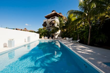 LA PETITE MAISON 1 block to beach - Playa del Carmen - Apartment