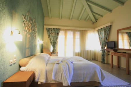 Rosmari: comfort with great view - Rovies