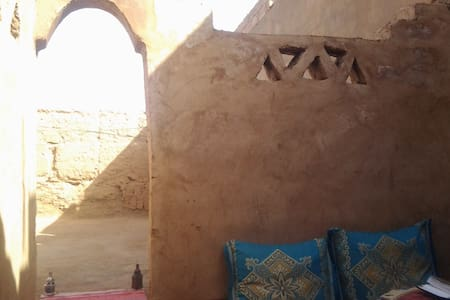 Billion Stars Kasbah Berber Tours - Bed & Breakfast