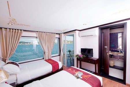 Luxury cabin on 5* cruise in Halong