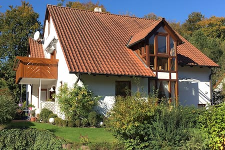 Schöne 90m2-Wohnung in Uni-Nähe - Leilighet