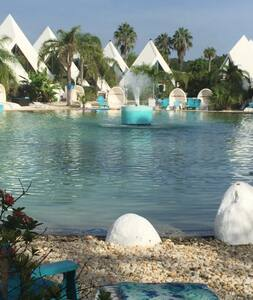 Pool Oasis in Pyramid Village