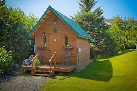 Charming Cabin: ' The Bears Den' - Homer - Cabana