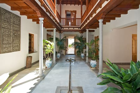 5 Bedroom Villa with pool in Andalucia - Villa