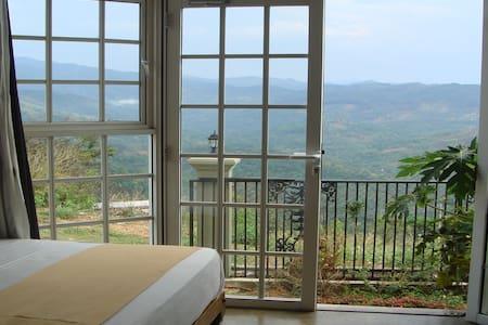 Club Lespri with an Amazing View  - Kandy - Villa