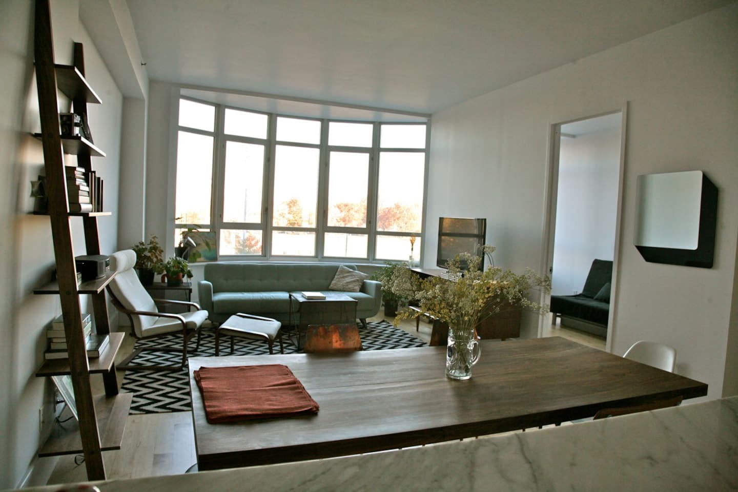 bright, airy living room