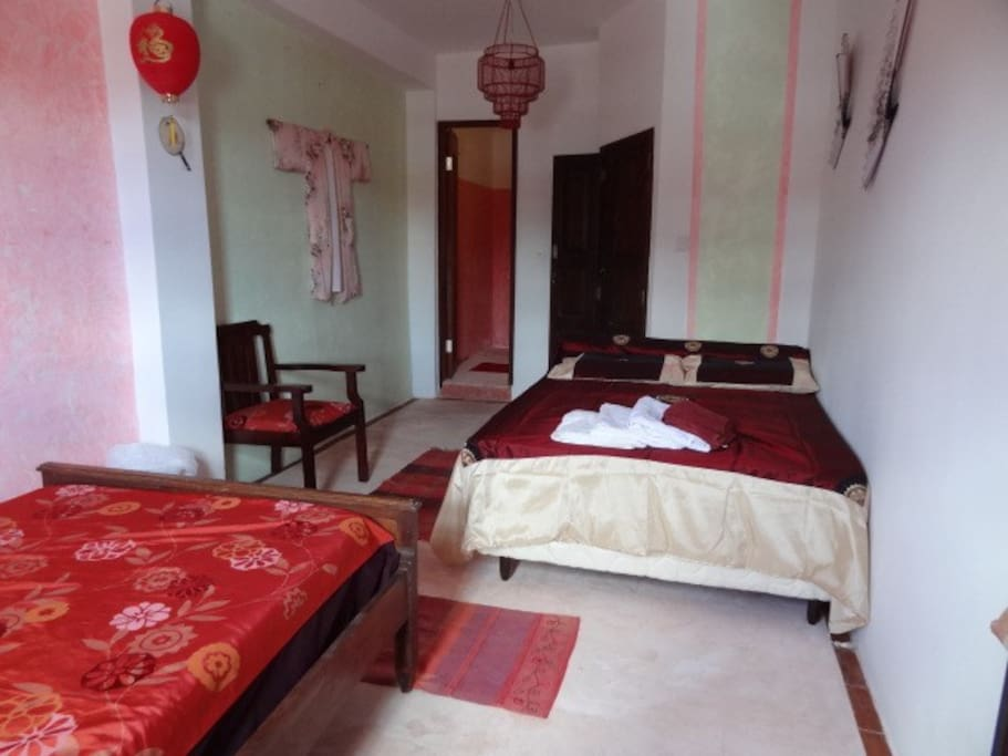 Asia room in charming family B&B X3