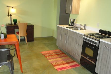 Spacious Ridgway Apt - Book for Fall!  See Colors! - Ridgway - Lägenhet