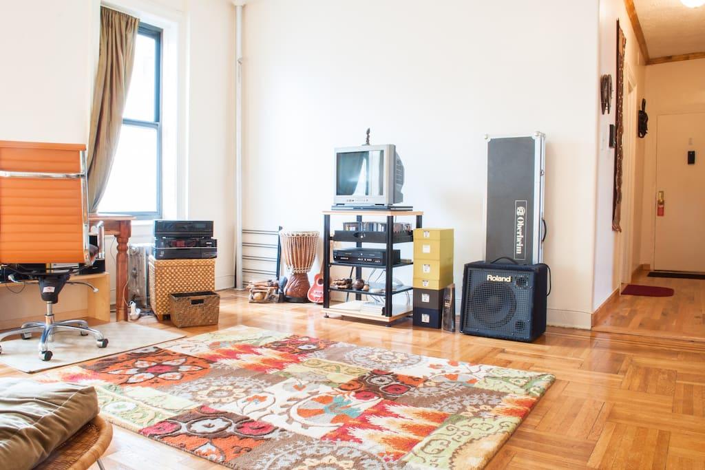 Brooklyn, A Big Bedroom, Good Vibes
