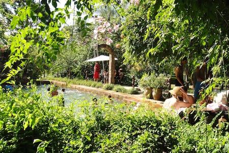 Granja Alte Liebe, cabaña familiar - Coronel Oviedo - Casa de campo