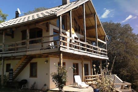 chateau caléyères - Embrun - Talo